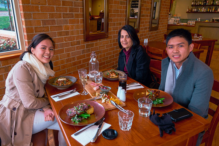 best-wine-tasting-with-lunch-tour-yarra-valley